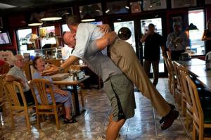Abbraccio a Barack